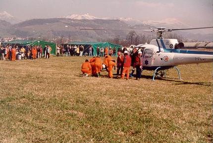 SERNAGLIA DELLA BATTAGLIA (TV) Esercitazione con soccorso di elicottero del SUEM